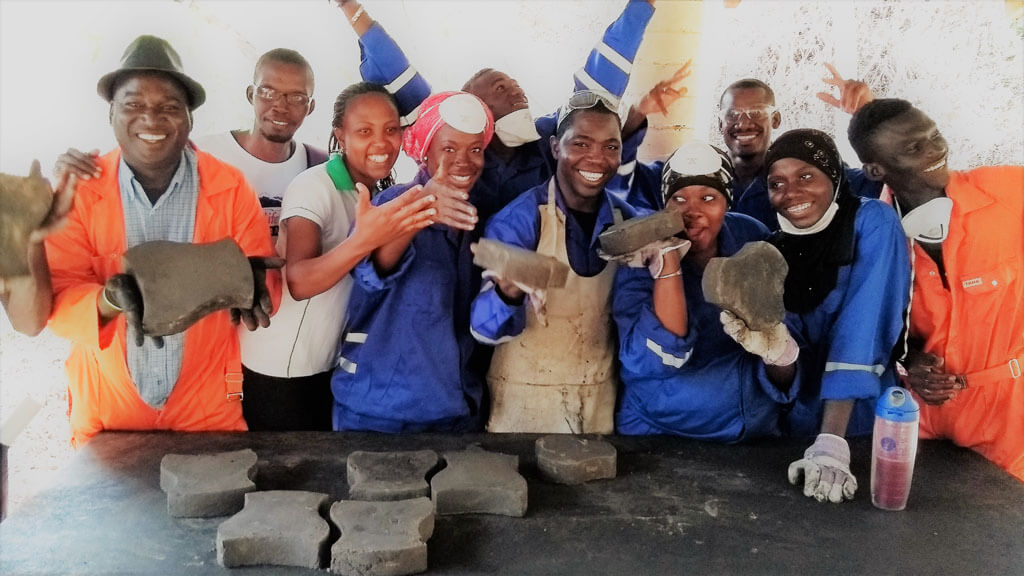 WasteAid trainees recycle plastic