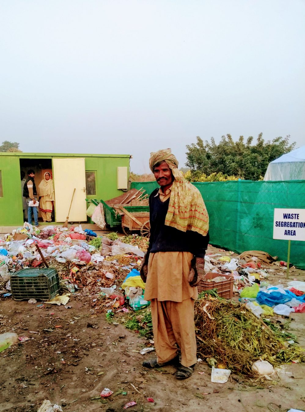 Cleaning the poorest communities in Islamabad - WasteAid