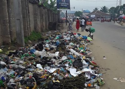 Heaps of waste make the environment very unhealthy in Uyo, Nigeria (photo: Camillius Ekujere)