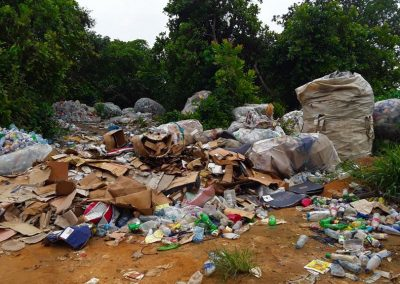 With nowehere to go, waste builds up in urban and rural areas in Uyo, Nigeria (photo: Camillius Ekujere)