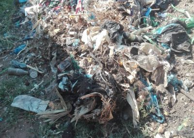 Uncollected waste in Nkhata Bay, Malawi (by Moffatt Kaunda)