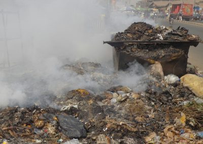 Burning piles of waste pollute the air in Ibadan, Nigeria (Oluwole Ojetunde)