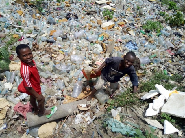 People live alongside plastic pollution in Douala, Cameroon