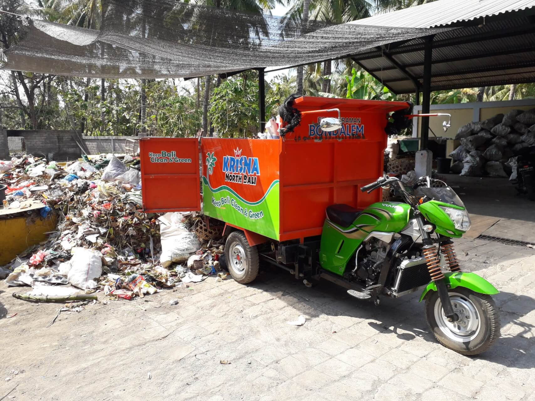 Bondalem waste collection tricycle