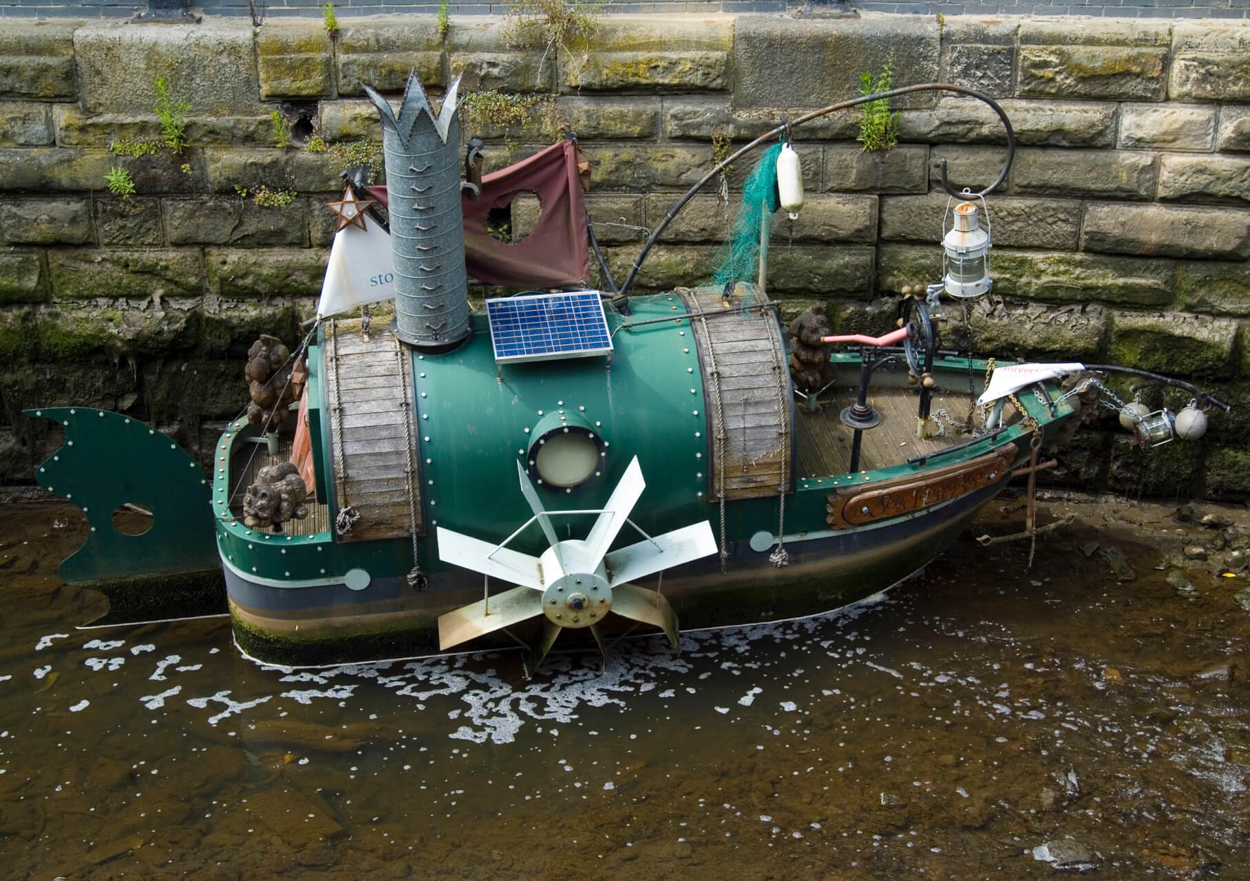 """Sea Song Sang"", a magical story boat in Newcastle upon Tyne, UK, by Chinch Gryniewicz"