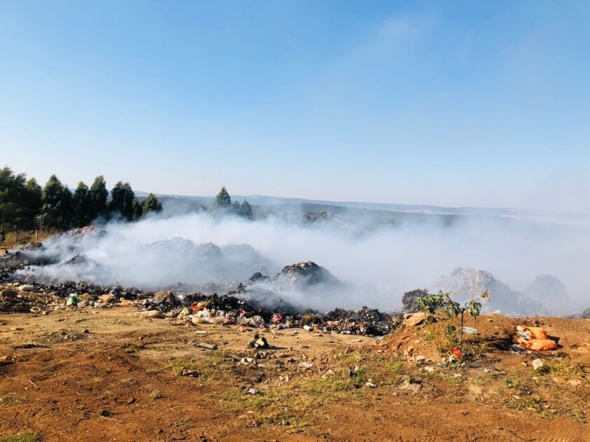 Burning of waste at a South African landfill site