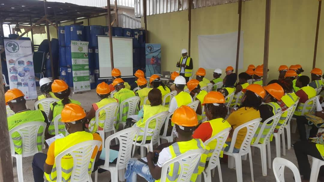 WasteAid trainees learn about plastics in Douala, Cameroon